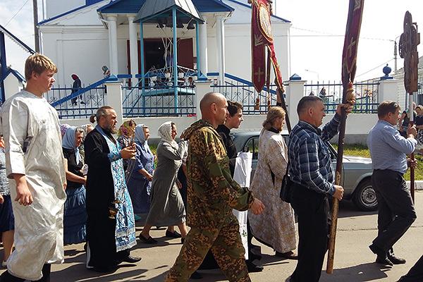 Праздник Казанской иконы Божией Матери в Кромах отметили традиционным крестным х