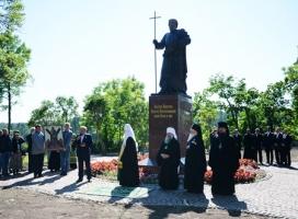 Патриарх Кирилл освятил на Валааме памятник Андрею Первозванному, возведенный на пожертвования запорожцев
