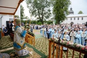 Предстоятель Русской Церкви возглавил торжества по случаю 700-летия основания Толгского монастыря
