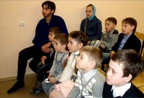 В воскресной школе при храме святого Георгия города Ливны поставили кукольный спектакль