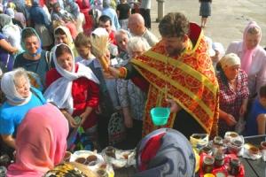 Православная Церковь отмечает Происхождение честных древ Животворящего Креста Господня