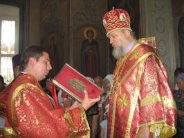 Архиепископ Антоний совершил Божественную литургию в Свято-Никольском храме п. Кромы