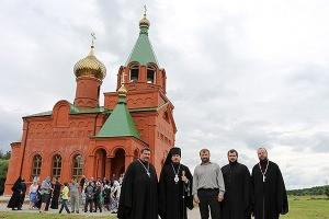 В селе Паньково Новодеревеньковского района освящен храм Святой Троицы