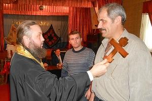 Благочинный Кромского округа благословил открытие казачьего общества в Тросне
