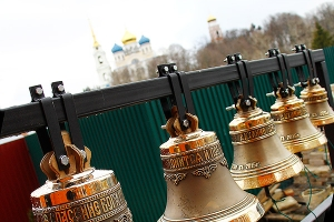 Архипастырский визит в Болхов: литургия и освящение колоколов в Георгиевском хра