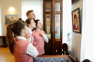 В Орле открылась пасхальная выставка «Артели православных художников»