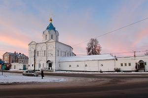 В орловском Свято-Введенском монастыре освящен Введенский храм