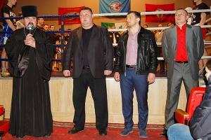 Благочинный Знаменско-Хотынецкого округа напутствовал участников праздника едино