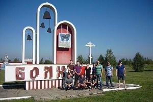 Орловские спортсмены помогли в уборке территории Всехсвятского храма Болхова