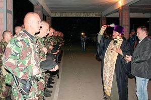Священник напутствовал отряд орловского ОМОН перед командировкой на Северный Кав