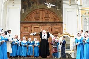 Русская Церковь отмечает 9-летие интронизации Святейшего Патриарха Кирилла