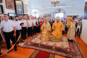 В праздник Первоверховных апостолов Петра и Павла Архипастырь совершил литургию в Петропавловском храме Мценска