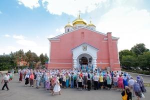 В праздник Смоленской иконы Божией Матери Архипастыри совершили литургию в Смоленском храме