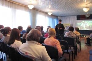 Кромской священник рассказал молодежи о празднике Покрова