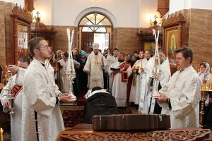 Епископ Нектарий совершил чин отпевания иеромонаха Ефрема (Боенко)