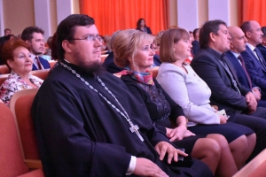 Руководитель епархиального отдела религиозного образования и катехизации поздравил педагогов с Днём Учителя