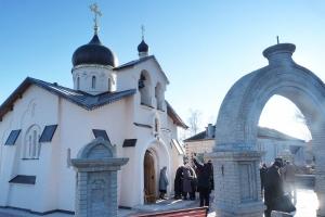 Под Кромами освящен Георгиевский храм