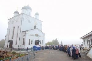 Более 8 тысяч человек поклонились святителю Луке в первые сутки