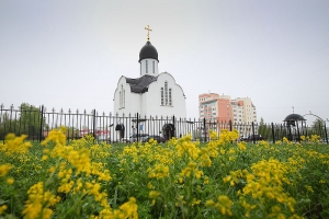 Архипастырь поздравил прихожан храма блаженной Матроны Московской с престольным праздником