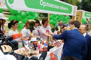 Православная молодежь и творческие коллективы представили Орловскую область на благотворительной акции «Белый цветок» в Москве