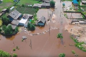 Наводнение в Иркутске: Церковь доставляет пострадавшим воду, хлеб и иную гуманитарную помощь