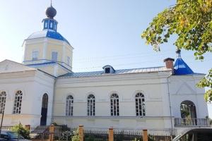 Архипастырь совершил литургию в Троицком храме в с. Кривчиково