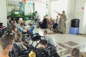 Научился сам — научи другого: православные добровольцы провели урок навыков в Болховском интернате