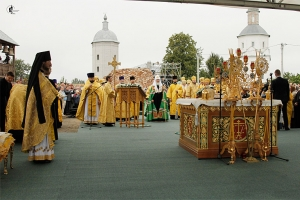 Представители Орловской епархии приняли участие в Патриаршем богослужении в брянском Свенском монастыре