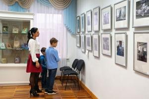 В орловском краеведческом музее открылась фотовыставка «Дорога к Храму»