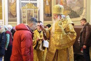 Накануне дня памяти святой Ксении Петербургской митрополит Тихон возглавил всенощное бдение в Ахтырском соборе