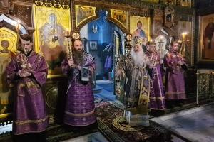 В канун субботы 2-й седмицы Великого поста митрополит Тихон совершил богослужение в Свято-Успенском монастыре