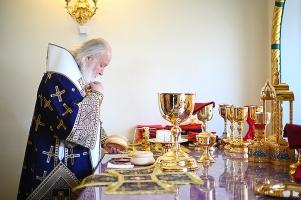 Патриарх Кирилл: Оставаться людьми в испытаниях, не забывать о тех, кому нужна помощь