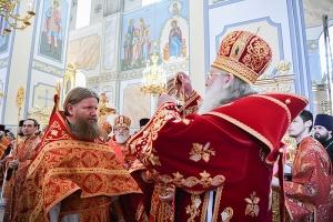 В среду Светлой седмицы Архипастырь совершил литургию в Смоленском храме