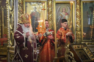 В канун субботы Светлой седмицы Архипастырь совершил богослужение в Свято-Иоанно-Крестительском храме Орла