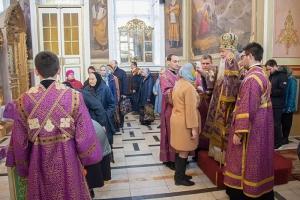 В канун Недели 5-й Великого поста Архипастырь возглавил всенощное бдение в Ахтырском кафедральном соборе Орла