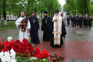 В 75-ю годовщину Великой Победы митрополит Тихон совершил молитвенное поминовение погибших воинов