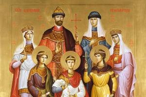 Архипастырь возглавил праздничное богослужение в Иверском храме в канун дня памяти Царственных Страстотерпцев