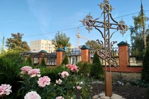 Второе обретение: в Троице-Васильевском храме восстановили старинный поклонный крест