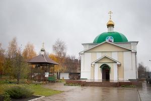 Владыка Тихон совершил литургию в Лаврово