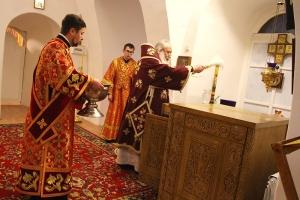 Архипастырь освятил жертвенник и резные ризы на престол в Троице-Васильевском храме Орла