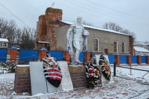 Архиерейская литургия состоялась впервые в новейшей истории храма в селе Хотьково в Шаблыкинском районе
