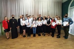 Священик поздравил юнармейцев с Днем защитника Отечества