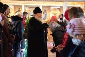 «Молитвенница о душах наших»: Архипастырь совершил Божественную литургию в праздник блаженной Ксении Петербургской