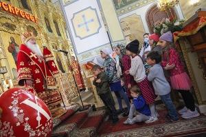 К празднику Пасхи клирики Орловской епархии удостоены Патриарших и Архиерейских наград