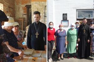 Священник рассказал пенсионерам из Знаменского об истории и значении дня Святой Троицы