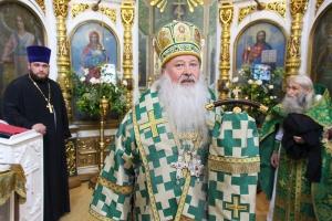 В День Святого Духа митрополит Тихон и схиархимандрит Илий совершили Литургию в Троицком храме