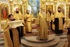 Владыка Тихон передал Богоявленскому собору Орла частицу мощей святого Георгия Коссова