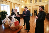 Губернатор Орловской области Андрей Клычков поздравил митрополита Орловского и Болховского Тихона с Рождеством Христовым. 9 января 2020 г.