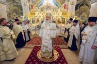 В канун праздника Рождества Христова митрополит Орловский и Болховский Тихон возглавил всенощное бдение в Богоявленском соборе Орла. 6 января 2021 г.