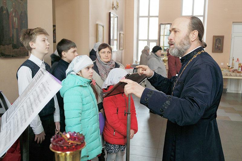 В больничном храме святителя Луки (Войно-Ясенецкого) состоялась детская литургия